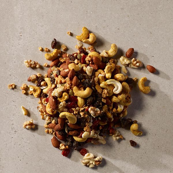 Organic-Curry-Cashew-Trail-Mix