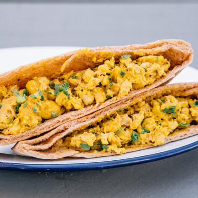 Curry Salmond Pita